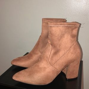 Pointed Toe Booties👢 SIZE 8